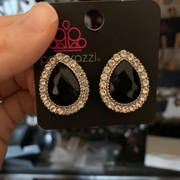 ✨3 for $10✨ Clip on earrings